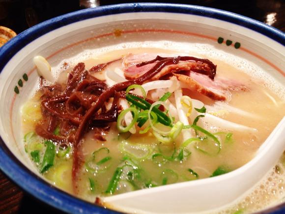 [Å] 渋谷「麺の坊 砦」で衝撃の豚骨ラーメンに出会った!本当美味しすぎました!