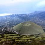 [Å] 伊豆を一望!国指定天然記念物「大室山」の山頂からの景色は格別