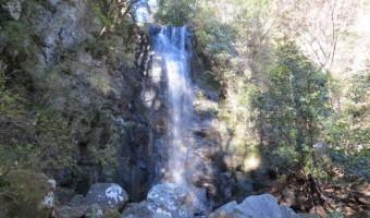 神奈川県・湯河原「白雲の滝」を観光!険しい道中の先にある結構ハードな滝