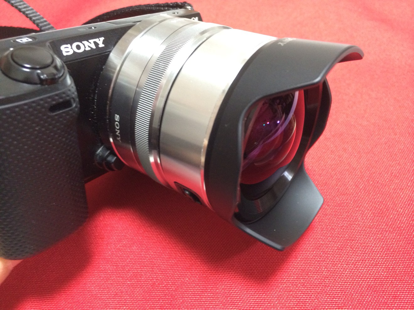 [Å] SONY NEX-5Rに薄型広角レンズ「SEL16F28」とコンバーター装着!!ワイド撮影可能に!