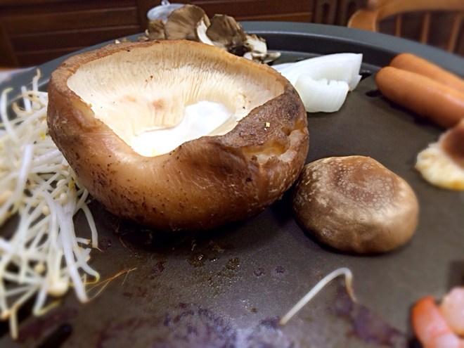 [Å] サイズに驚愕!大仁まごごろ市場の「原木しいたけ」でしいたけステーキ作った!