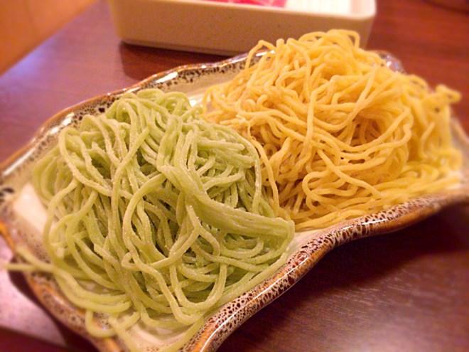 たまご麺とグリーン麺