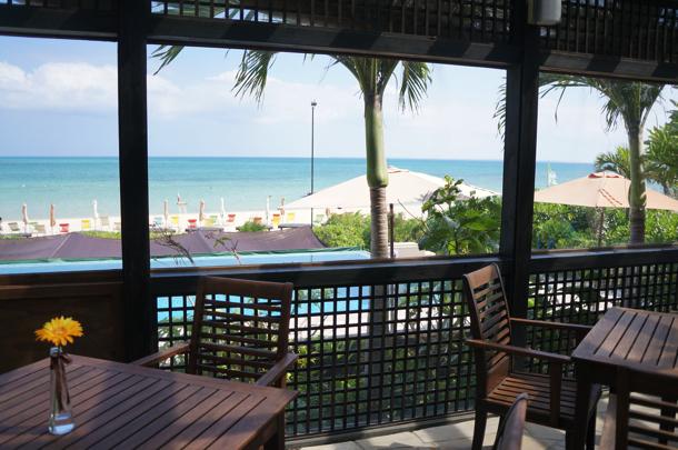 [Å] 島 Books&Cafeで海を眺めて気持ちの良い午後!素敵なカフェタイムを。