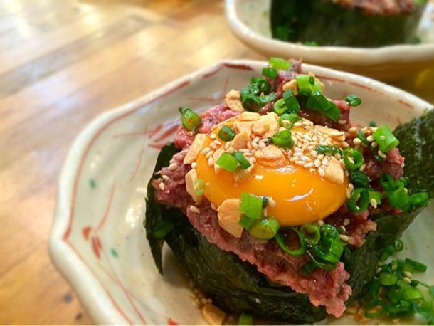 トロ馬肉のこぼれ寿司