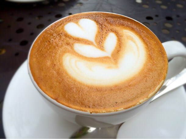 [Å] 代官山「Urth Caffe(アースカフェ)」でラテアート!お洒落なカフェで午後の休日。