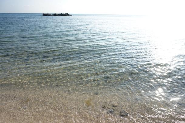 星砂浜の海
