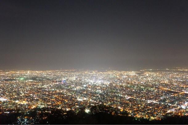[Å] 死ぬまでに1度は見ておきたい絶景・夜景!日本夜景遺産「札幌 藻岩山」に感激!