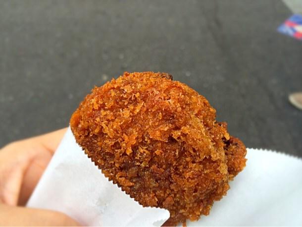 [Å] 行列納得!吉祥寺「さとう」の肉汁たっぷり熱々メンチカツが美味しすぎると再確認!