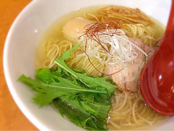 [Å] 新宿駅「麺屋 翔」これぞ塩らーめんの極み!香彩鶏だし塩らーめん美味しすぎ!!