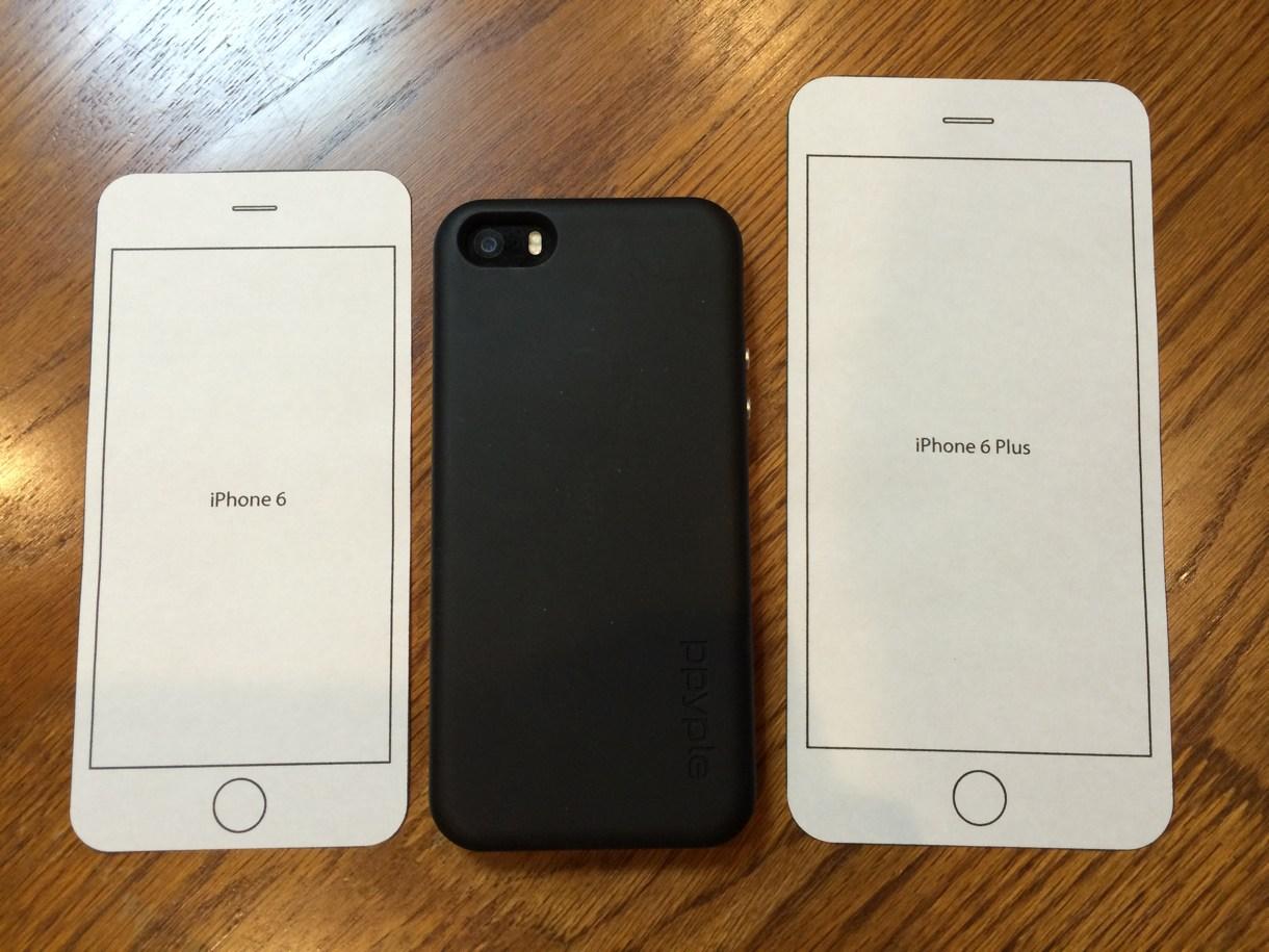 真ん中にiPhone 5sを置いて比較