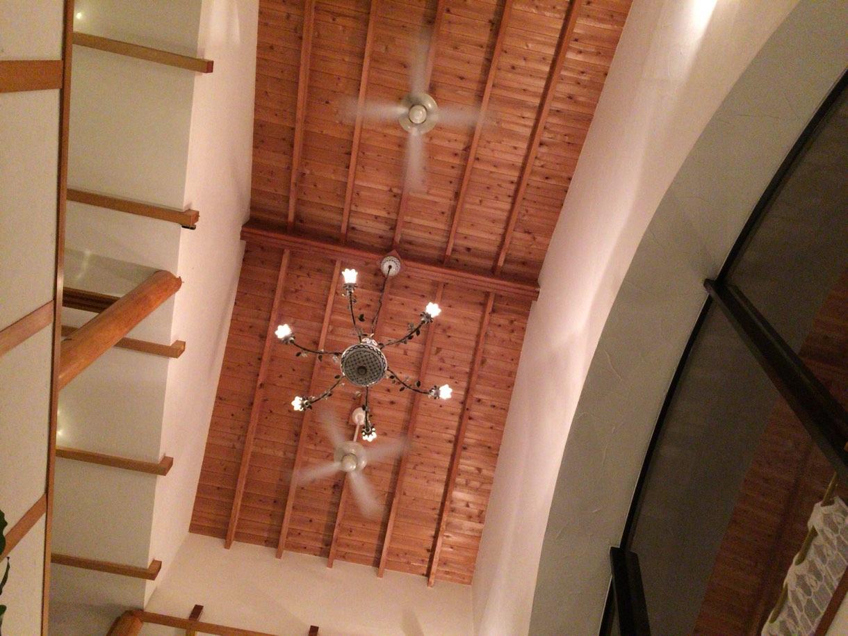天井もかなり高くてすっきりした空間の中を過ごせます。
