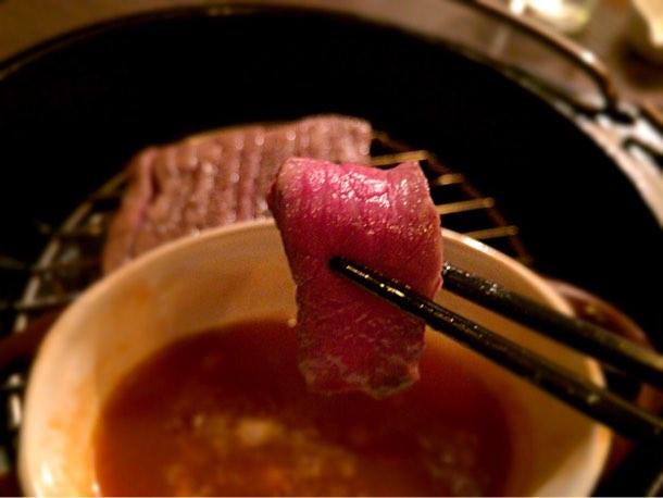 燻製溶き卵につけてお肉をいただきました