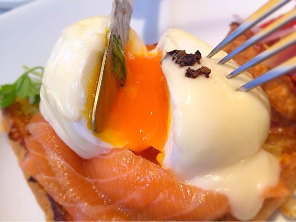 ご覧の通りこんな感じに卵はトロットロ