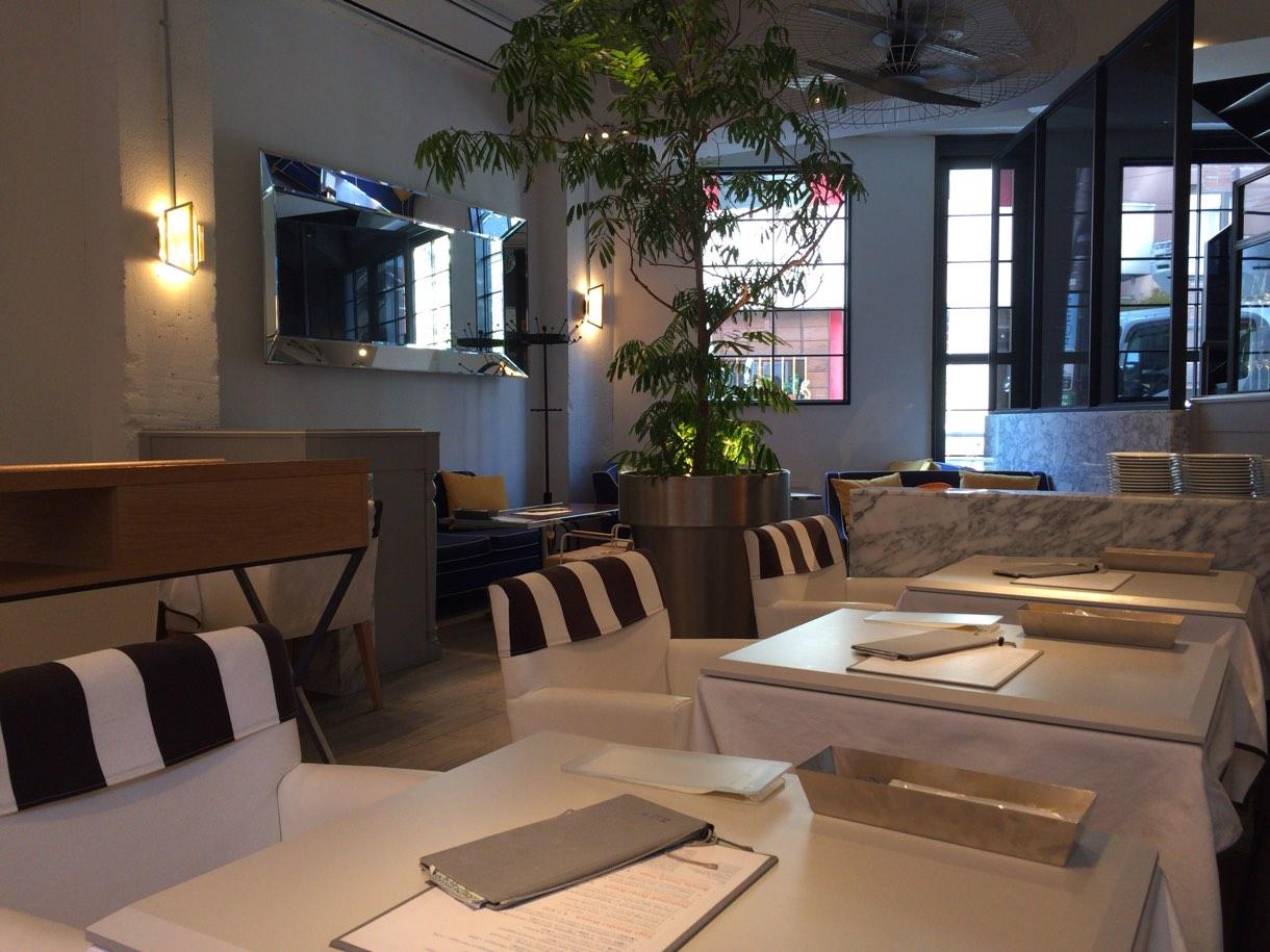 雰囲気の良いカフェ