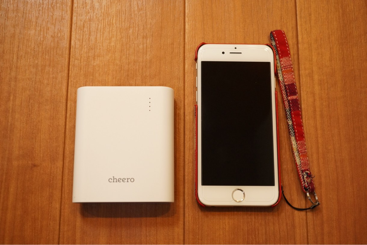 cheero Power Plus 3とiPhone 6との比較