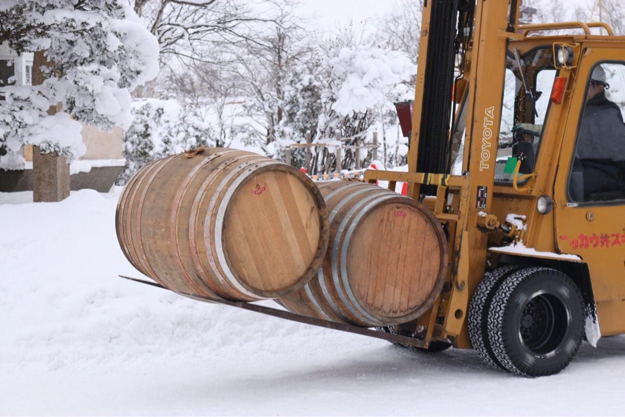 運良く樽を実際に運んでいる姿を生で見ることができました。