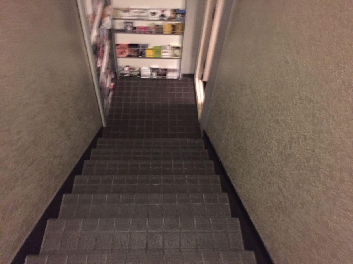ゼロカフェ 地下