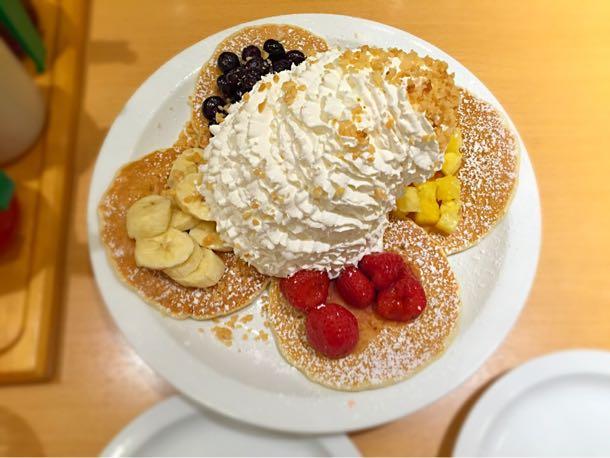 フルーツパンケーキサンプラー フルーツ4種類