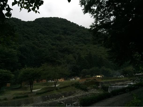 バンガローからのキャンプ場の景色