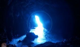 石川県観光 聖域の岬「青の洞窟」