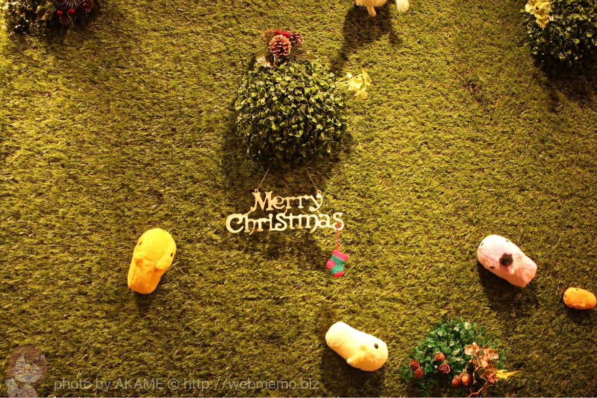 壁にも施されるクリスマス