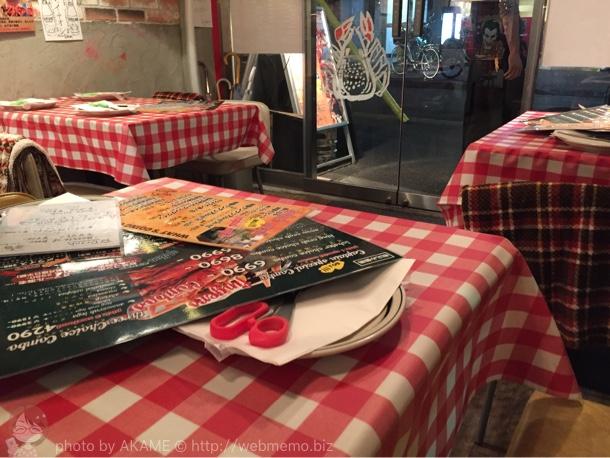 フィンガーズ 神楽坂店のテーブル席