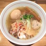 [Å] TRY受賞「地球の中華そば」鶏と魚介のスープが絶品!行列のできる淡麗ラーメン