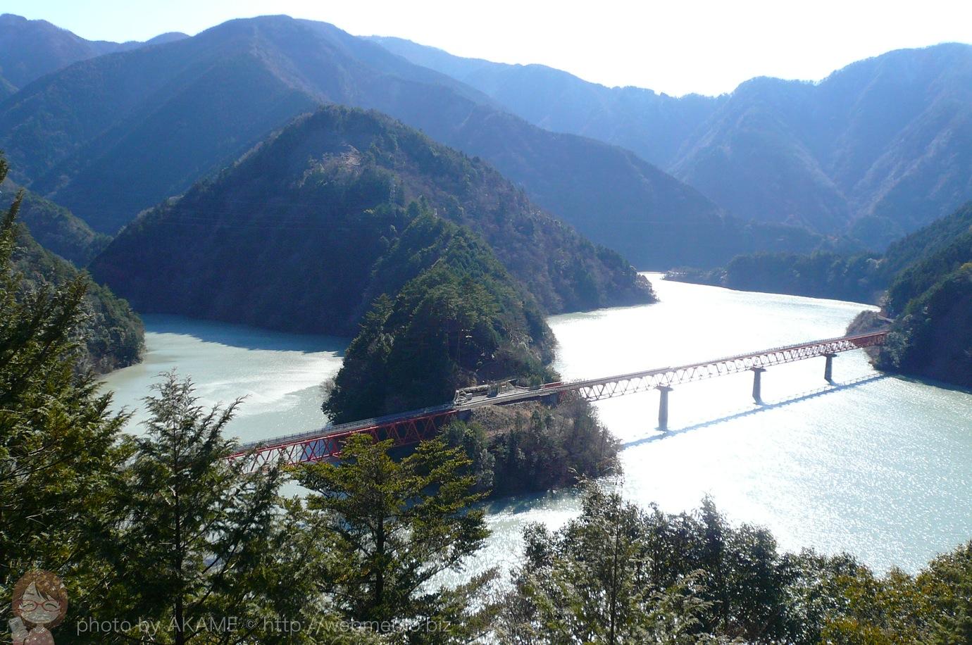 展望台から見る奥大井湖上駅