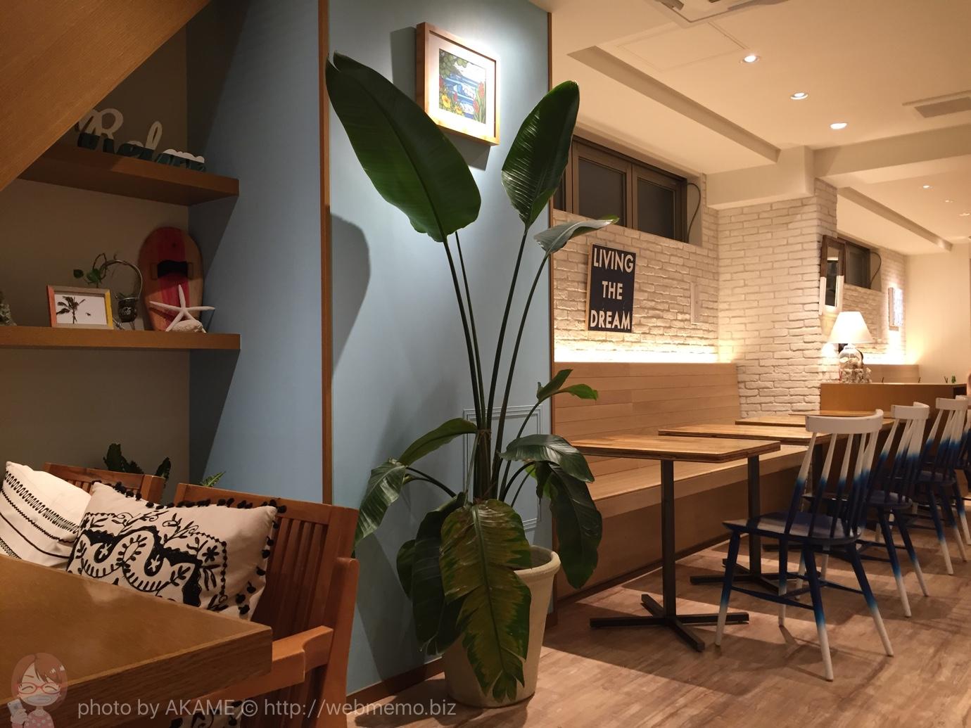 LONCAFE 鎌倉小町通り店 テーブル席