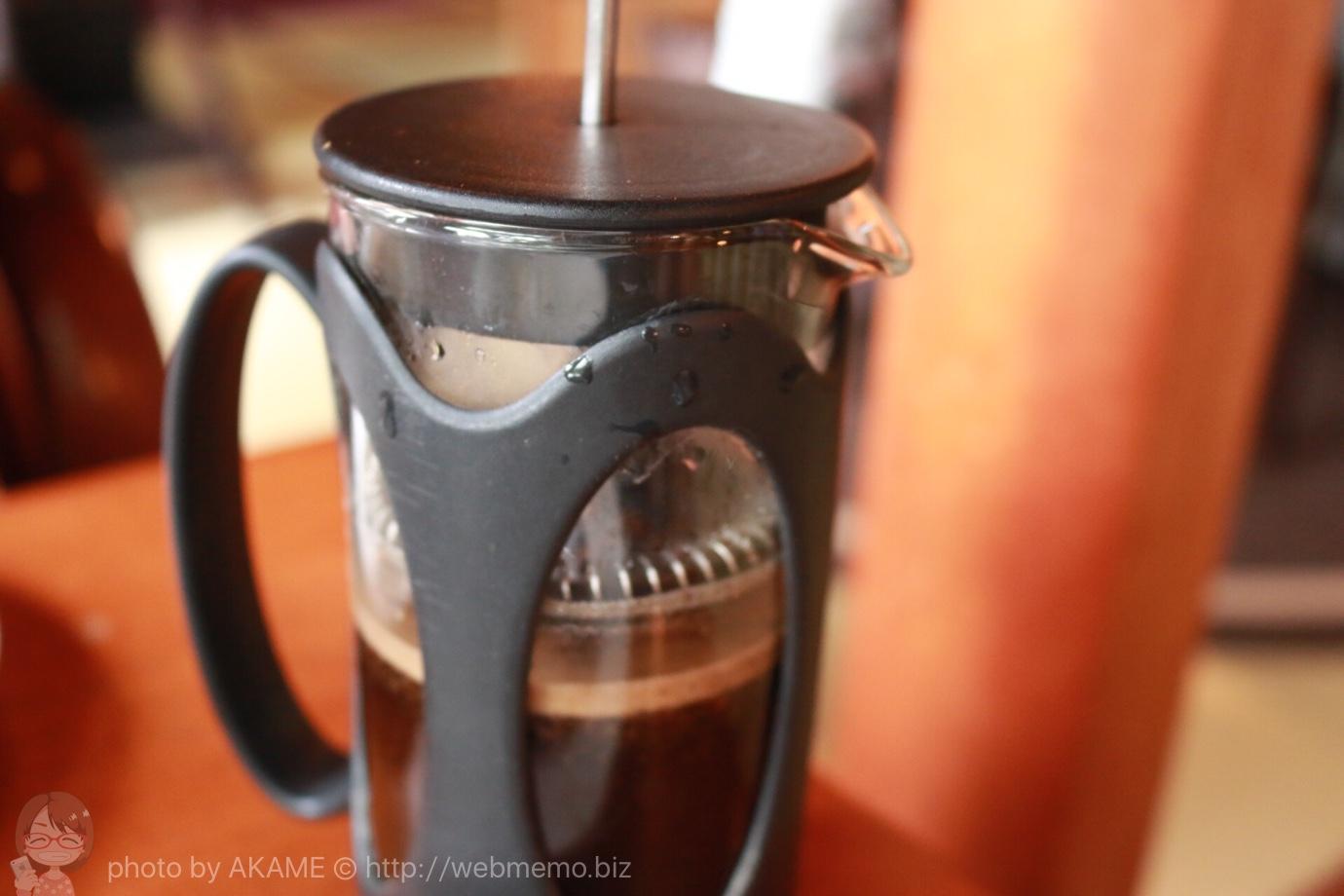 抽出中のコーヒー