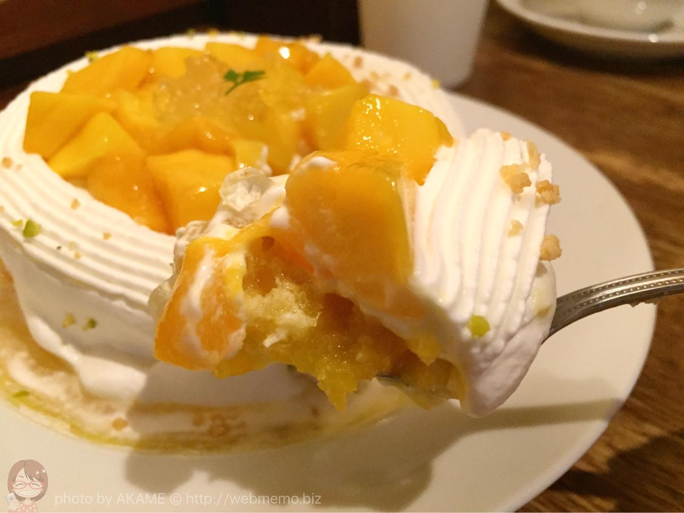 マンゴーのショートケーキ 断面