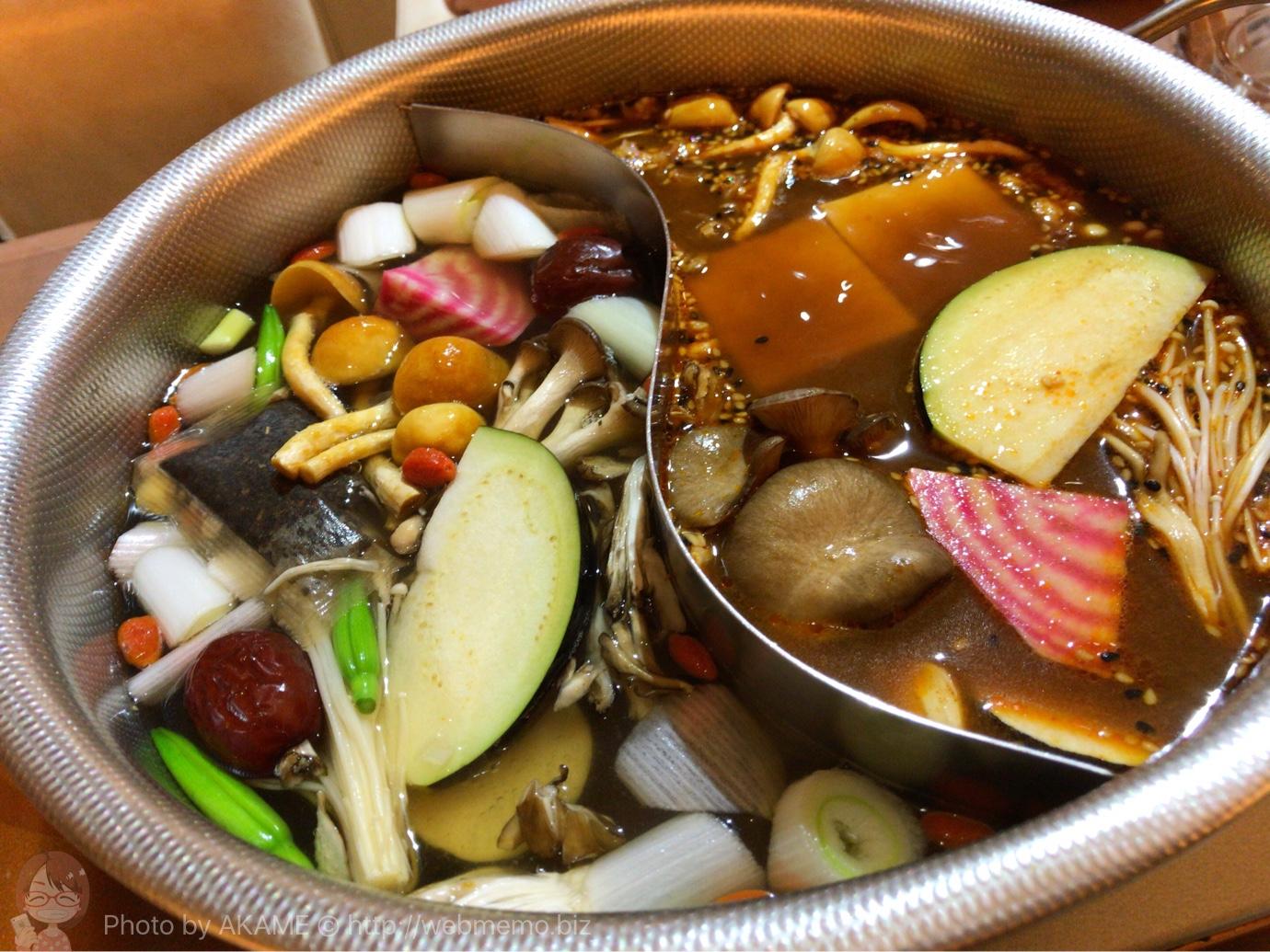 品川「10ZEN」の薬膳鍋が絶品・楽しい!すっぽんと生薬から抽出した美肌スープ