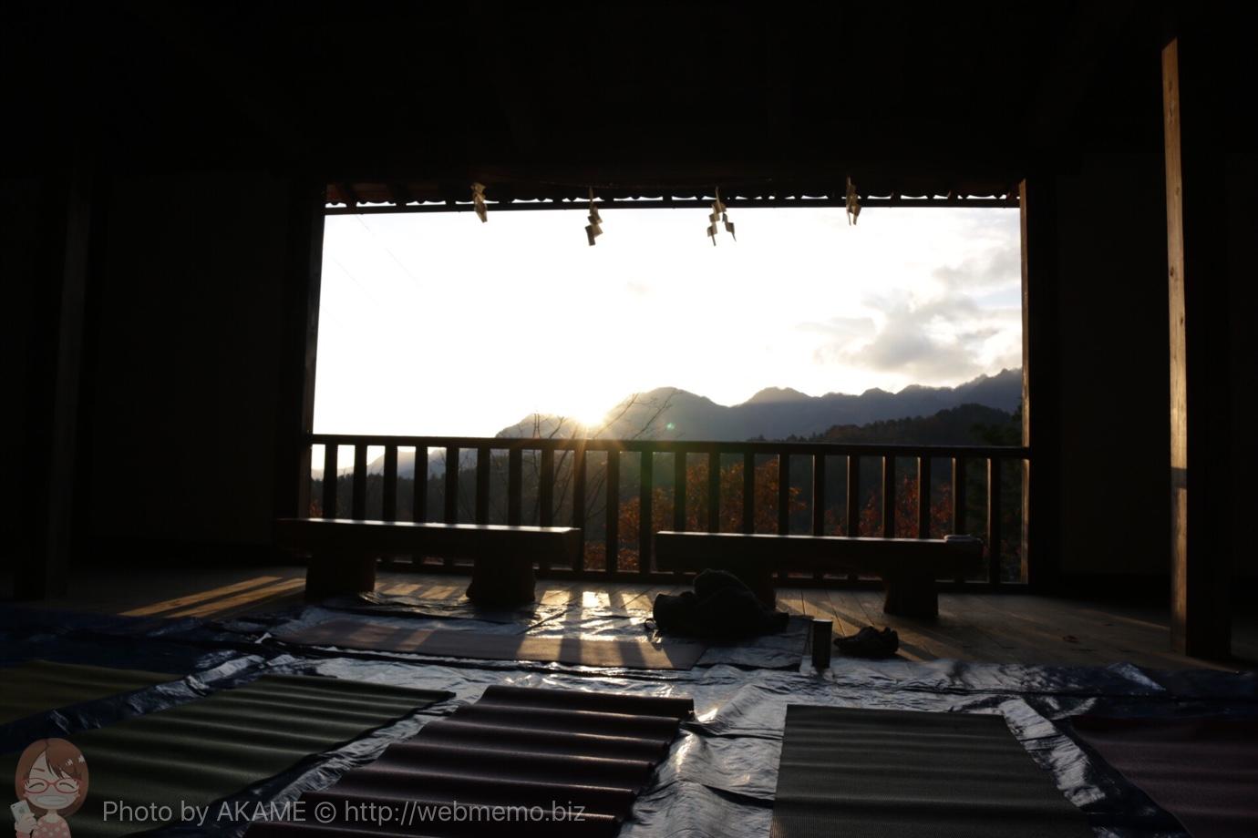長野県「別所神社」で朝ヨガ体験!太陽と大地が広がる神秘的ロケーションに感動