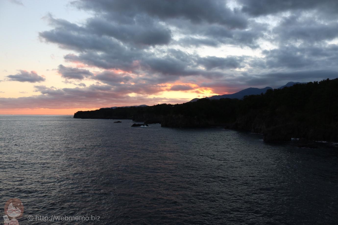 夕空と半島