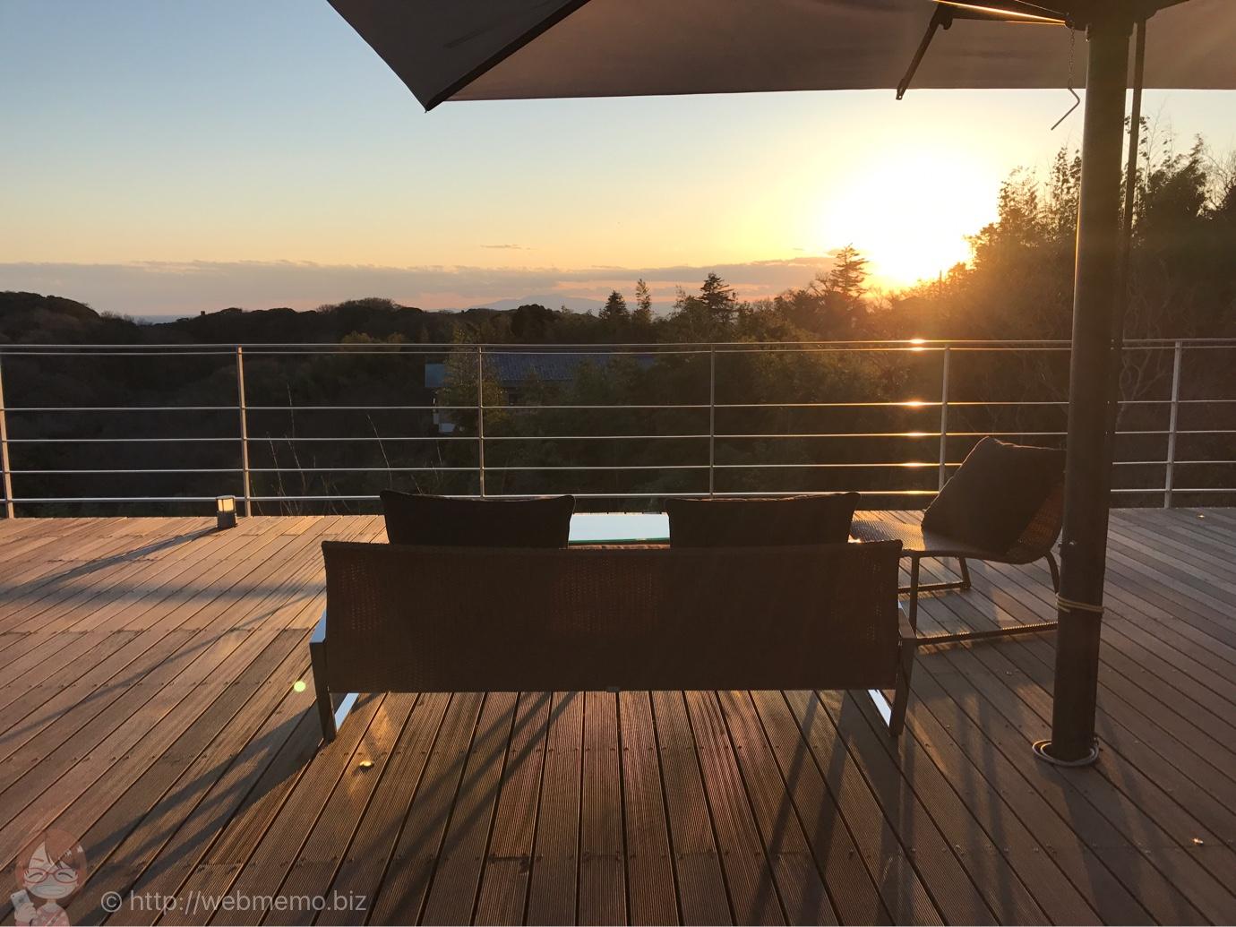 ル・ミリュウ 屋上テラスから見た夕陽