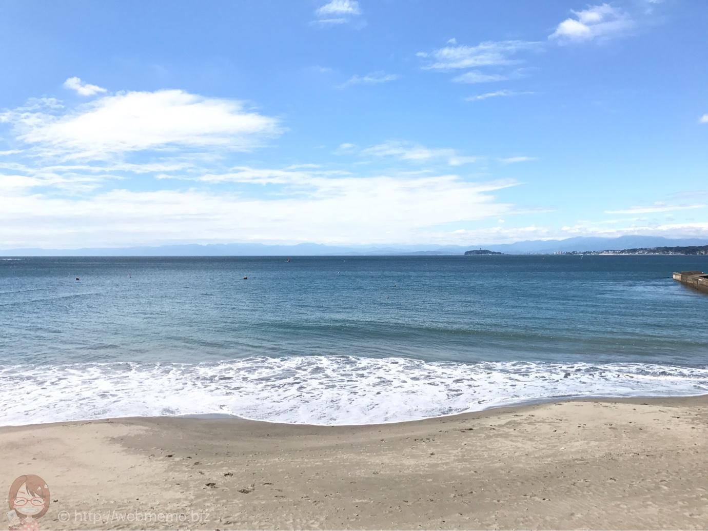 カボンから見える海と砂浜