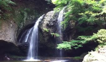 茨城県のパワースポット「月待の滝」はリフレッシュにおすすめの癒やしの空間!