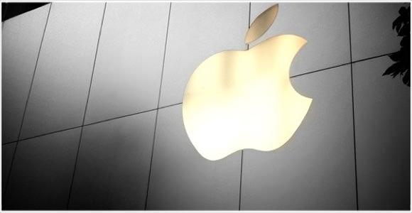 [Å] iPhone5発売!開封の儀の前に愛用iPhone4と封緘の儀でお別れ
