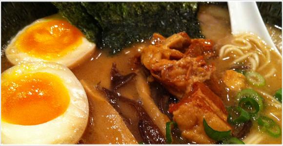 [Å] 久留米らーめん「鐡釜」in.横浜 食べた! 次頼む時は注意しなきゃな。