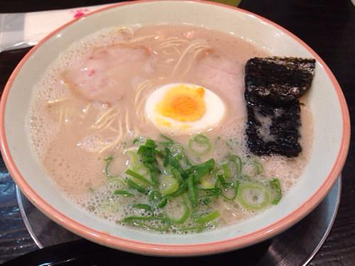 大行列が気になったから福岡「大砲ラーメン」食べてきた!