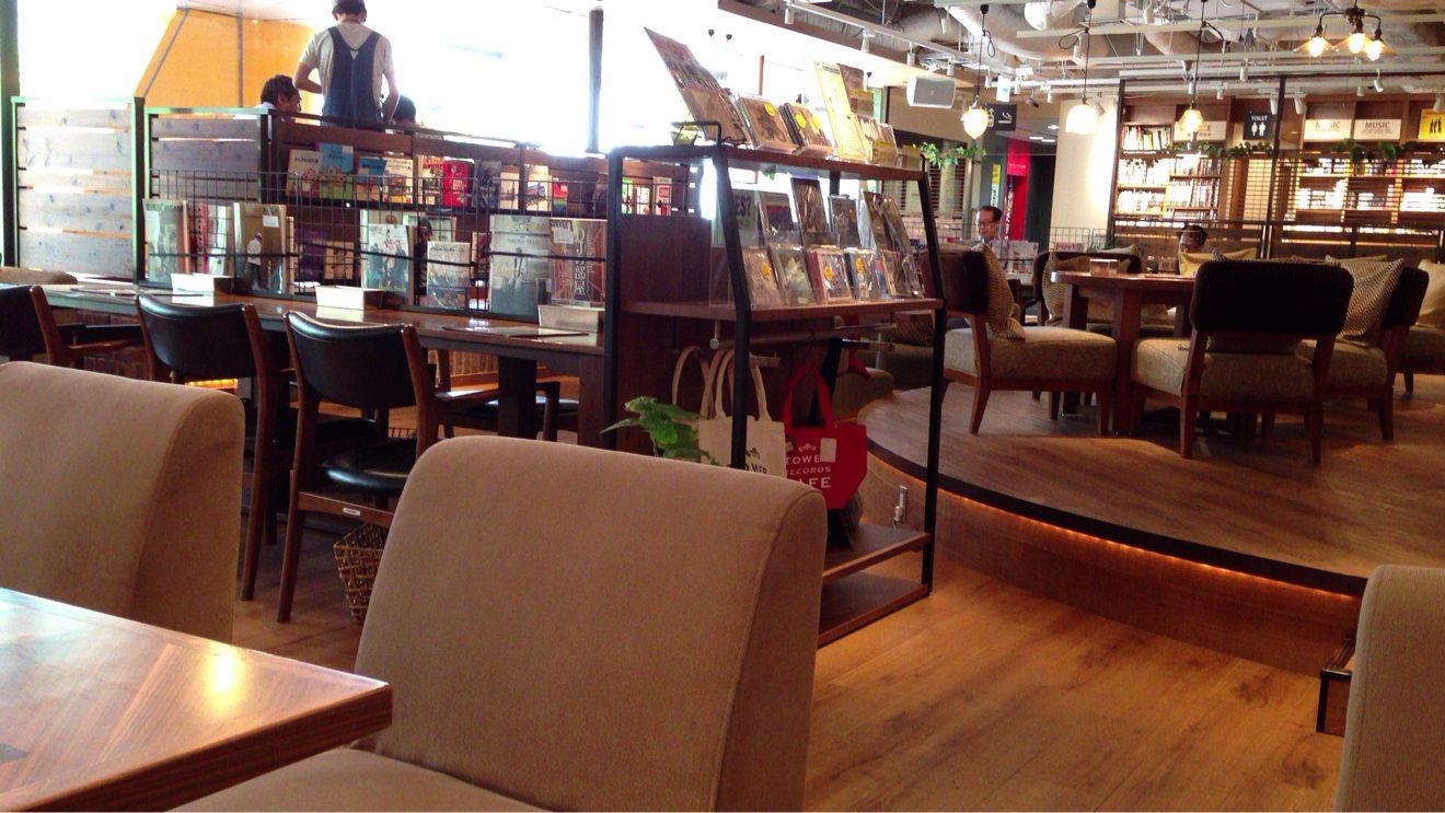 週末はゆっくり過ごしたい都内のこだわりソファ席があるカフェ12選