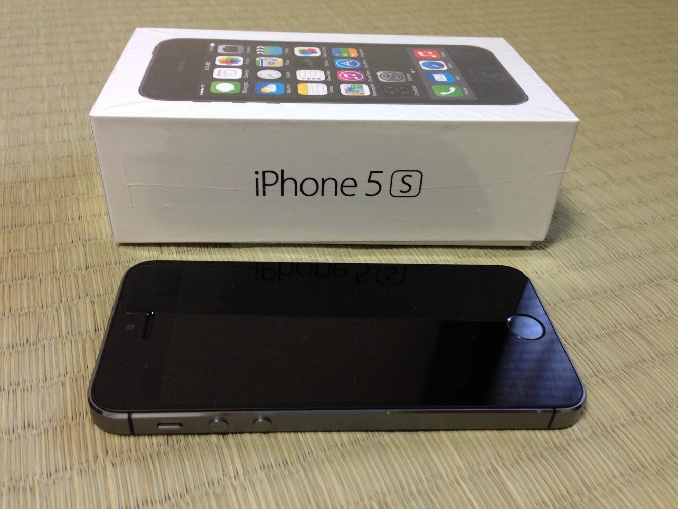 iPhone 5s スペースグレー