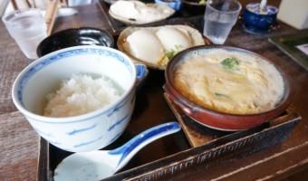 箱根湯本「湯葉丼 直吉」は開店15分で即満席!姫の水を使った「湯葉丼」食べてきた