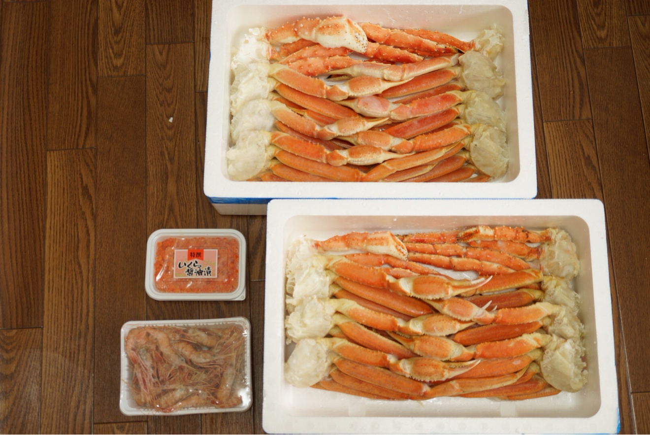 タラバ蟹、ズワイ蟹、海老、イクラ