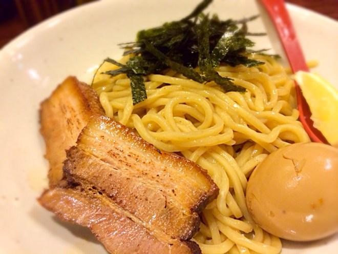 [Å] 渋谷「ちっちょ極」のホルモンつけ麺!!とぅるっとぅるのホルモン本当に絶品!